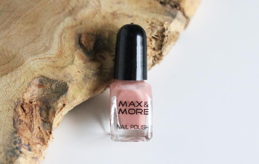 10 M&M nagellak